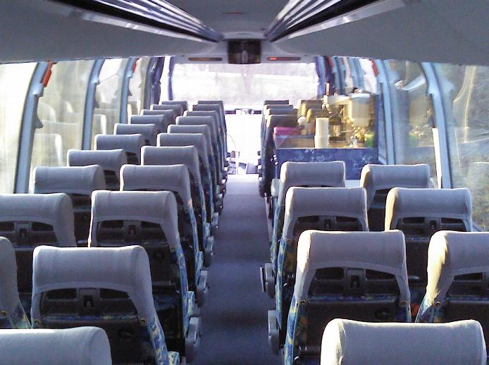 Einer unserer Busse von innen